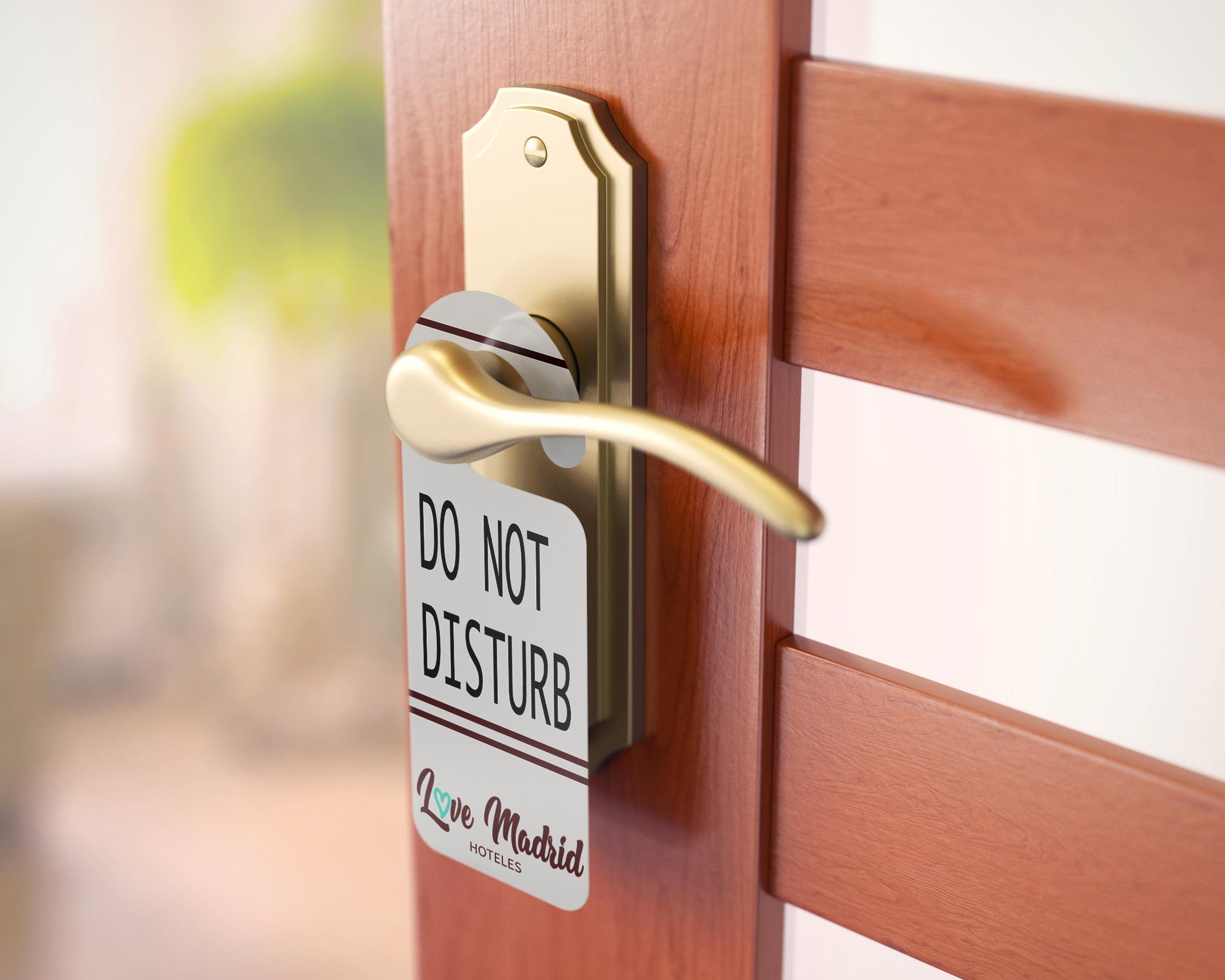 Estudio Creativo, diseño gráfico, Branding, Web, Diseño Logotipo, tarjetas de visita, colgador puerta, Hoteles, Madrid, Love, 8 Purple.