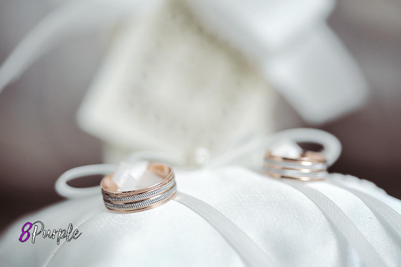 Wedding accessories in coral tones